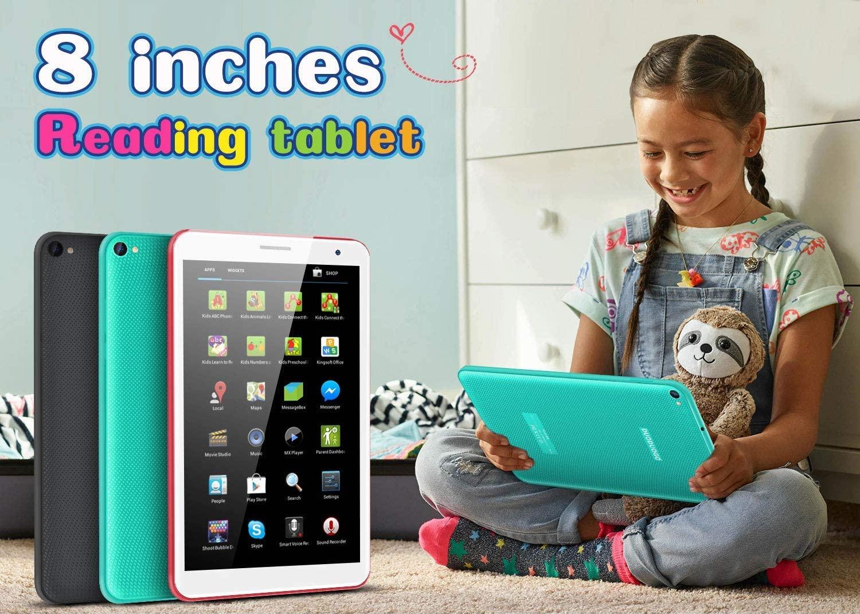 menina brincando com o tablet das crianças